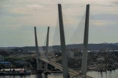 Приморцы в очередной раз посмеялись над асфальтом на Золотом мосту