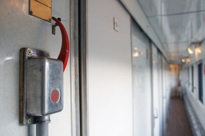 В Приморье за сорванный стоп-кран задержан пассажир электропоезда