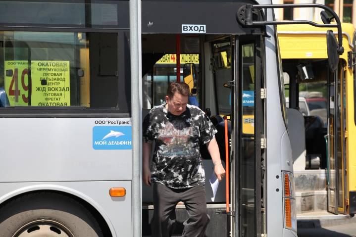 Стали известны подробности езды по встречке владивостокского автобуса