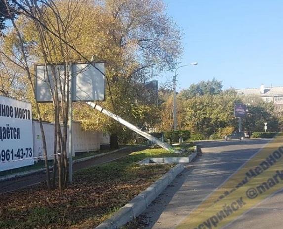 В Приморье произошло ДТП с участием фонарного столба