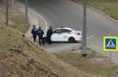 Погоней и надеванием наручников закончился побег с места ДТП во Владивостоке
