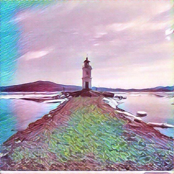 Во Владивостоке перегородили подход к Токаревскому маяку