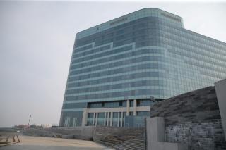 Пятизвездочную гостиницу на мысе Бурном во Владивостоке до сих пор не сняли с продажи