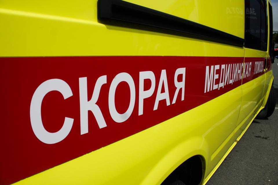 Легковушка залетела под эвакуатор на объездной трассе во Владивостоке
