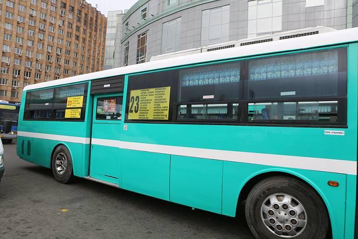 Немалый штраф заплатит водитель автобуса за разговоры по телефону во Владивостоке
