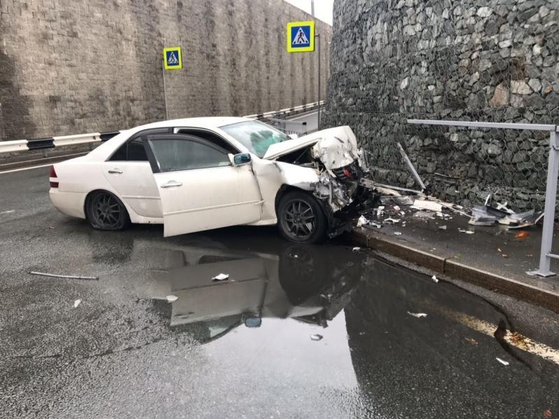 Пассажирка  Toyota Mark II, попавшего в ДТП в пригороде Владивостока, рассказала подробности аварии