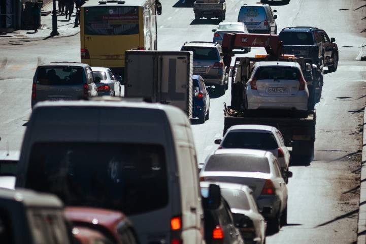 Во Владивостоке водители стали очевидцами боев без правил