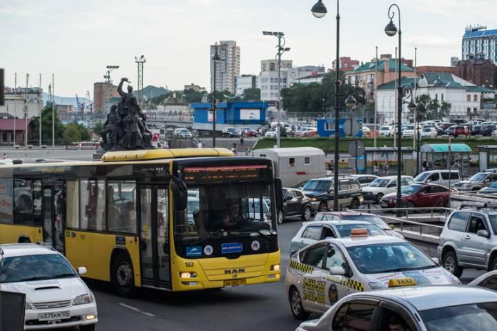 В приморских автобусах появились «тайные пассажиры»