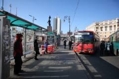 Во Владивостоке упала автобусная остановка