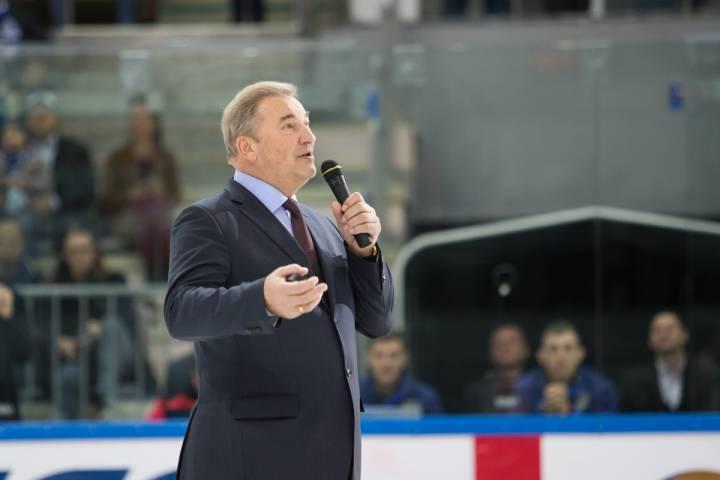 Легенда хоккея Владислав Третьяк посетил домашний матч «Адмирала»