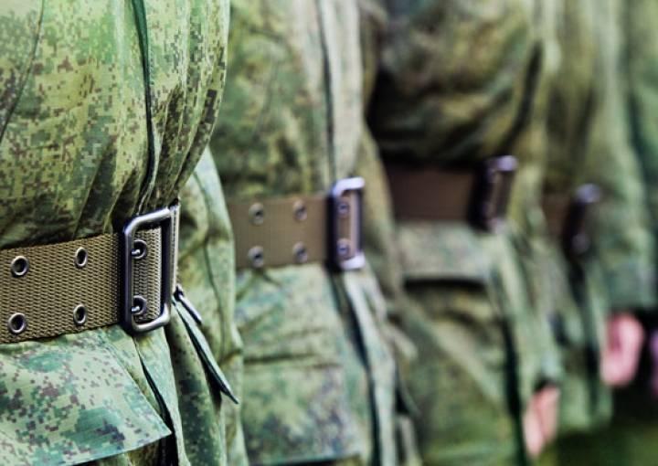Путин пообещал отменить срочную службу в армии