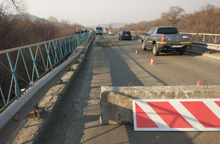 В Приморье может рухнуть еще один мост