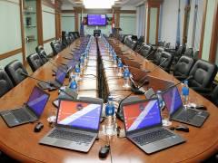 Депутаты КПРФ со скандалом покинули заседание парламента в Приморье