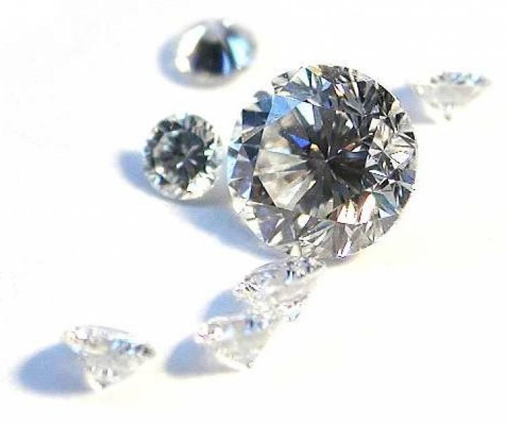 В ближайшем будущем алмазы можно будет купить во Владивостоке