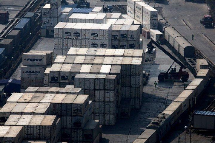 Во Владивостоке из контейнера таинственно исчезло восемь тонн рыбы