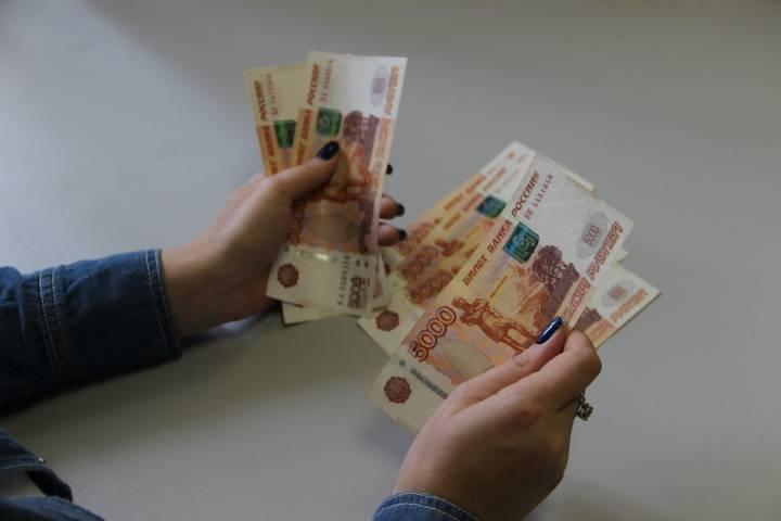 Под благовидным предлогом жительница Владивостока обчистила магазин