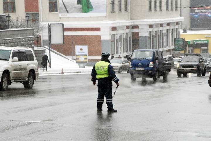 Снегопад вызвал множество аварий в Приморье