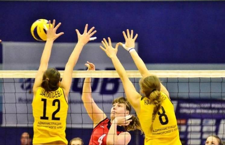 Волейбольная «Приморочка» одержала победу в первом домашнем матче сезона