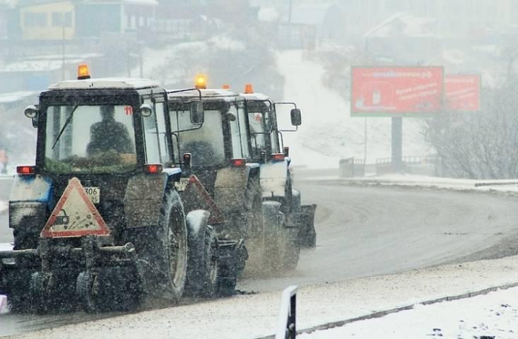 Более 200 единиц снегоуборочной техники работают на дорогах Приморья