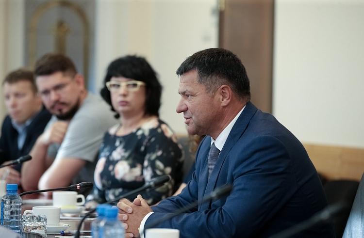 Андрей Тарасенко назвал цены в магазинах Приморья сумасшедшими