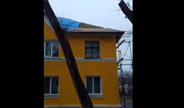 Жители одного из домов в Спасске-Дальнем остались без крыши над головой