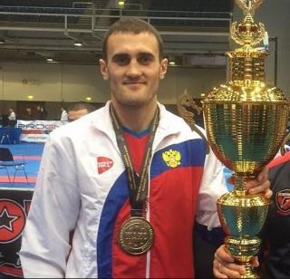 Приморец стал двукратным чемпионом мира по кикбоксингу