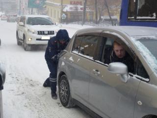 «Не видел ни одной единицы дорожной техники»: владивостокцы делятся впечатлениями о снегопаде