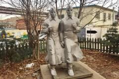 Владивостокский памятник-«потеряшка» переехал на новое место