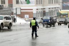 Инспектор ДПС устроил танцы на льду в Приморье