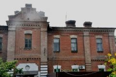 В Уссурийских многоэтажках обнаружен вход в Нарнию