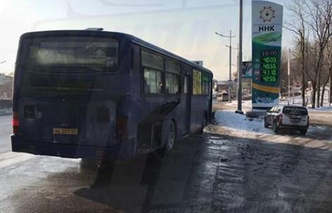 Пассажирский автобус загорелся во Владивостоке