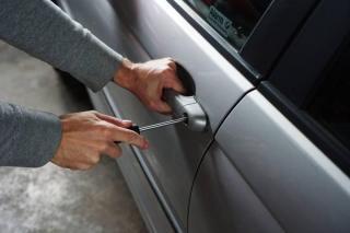 Приморец похитил автомобиль и сдал его в пункт приема металла