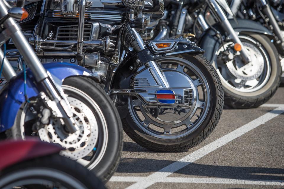 Видео 18+ от первого лица – как разбивается байкер на трассе в Приморье
