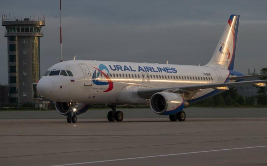 Самолет из Санкт-Петербурга, летевший во Владивосток, экстренно вернулся в Пулково