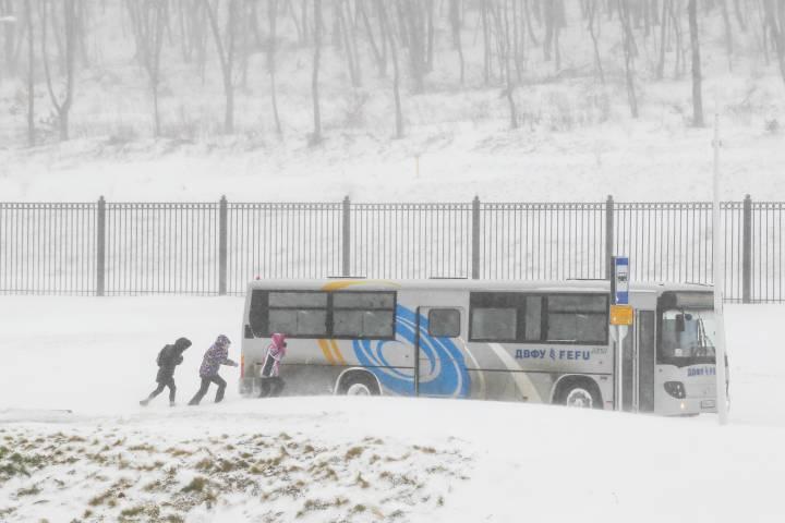 Роспотребнадзор провел проверку после жалоб жителей Владивостока на холодные автобусы