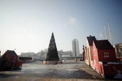 На главной площади Владивостока воздвигают городок