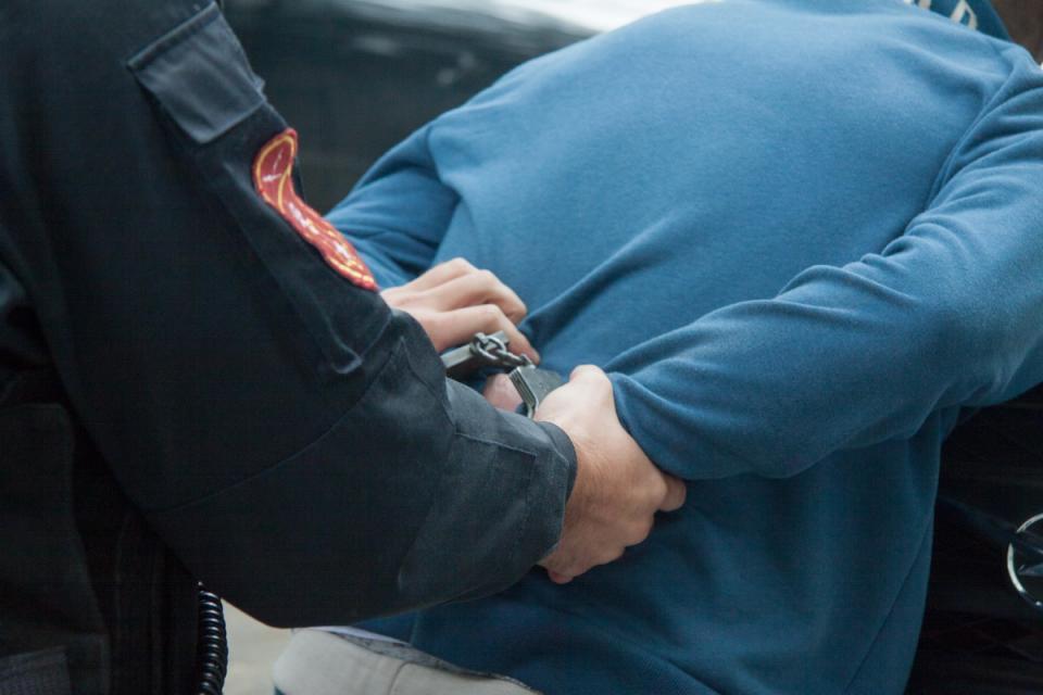 Полицейские задержали приморца, устроившего дебош в больнице