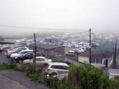 Во Владивостоке ОМОН заглянул на авторынок