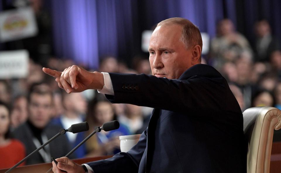 Путин вызвал смех зала, отвечая на вопрос из Владивостока