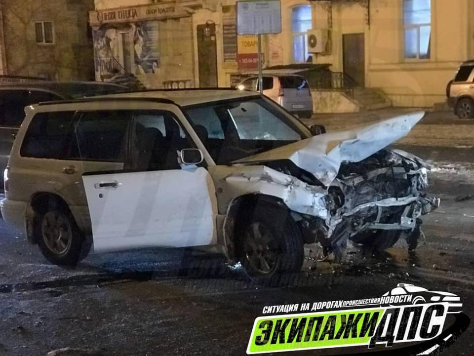 В эти минуты: «субарист» устроил тяжелое ДТП во Владивостоке