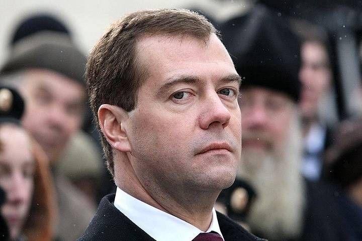 Медведев будет есть российские продукты на Новый год