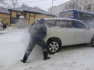 Водителям Владивостока рекомендуют в воскресенье остаться дома