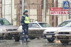 Легковой автомобиль протаранил внедорожник во Владивостоке