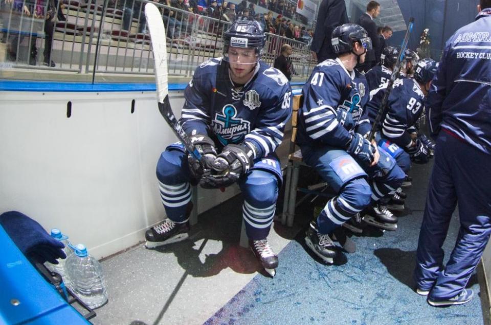Приморский хоккейный клуб проиграл клубу из Череповца