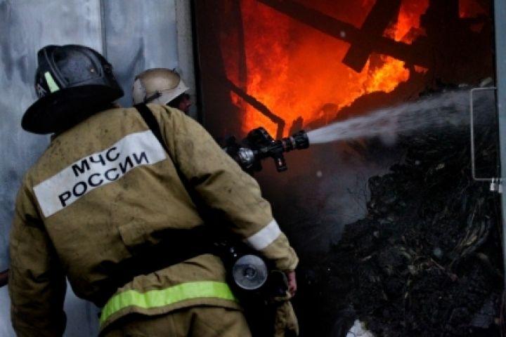 В центре Владивостока загорелся жилой дом