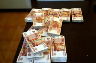 Водитель-экспедитор собрал с торговых точек полмиллиона рублей и скрылся в Уссурийске