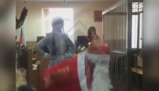Видео с корпоратива в зале владивостокского суда «взорвало» соцсети