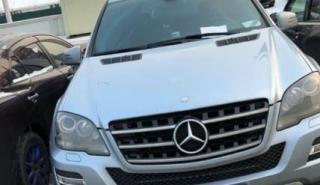 Водитель «мерина» испортил отдых семье с ребенком возле «Седанка-Сити»