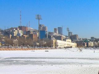 Подростки провалились под лед на набережной Спортивной гавани
