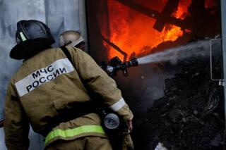 Фото: 25.mchs.gov.ru   Во Владивостоке накануне произошел крупный пожар в жилом доме